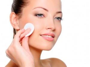 Мицеллярная вода - лучшее средство для снятия макияжа